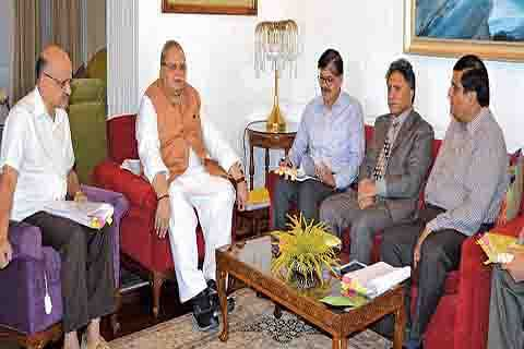 Guv urges MLAs to cooperate in finishing pending projects