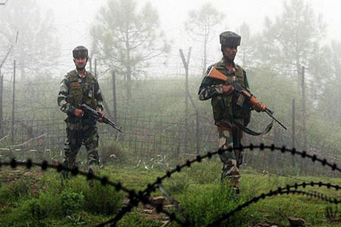PaK intruder killed along LoC: Army