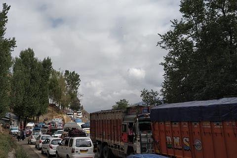 Traffic Police announces diversion plan on Srinagar-Baramulla highway for Monday