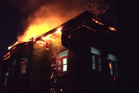 Fire guts mosque in north Kashmir's Baramulla