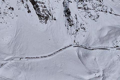 Srinagar-Jammu highway, Mughal Road, Leh highway closed