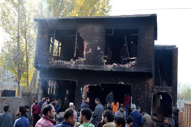 Clash Rock Nowgam After Militant Killings