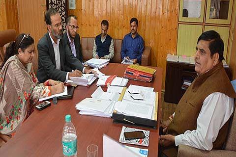 Advisor Vyas discusses issues of Kashmir University