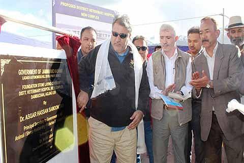 Samoon inaugurates cheese maturation room, fleece testing lab in Leh