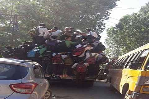 Overloading of passenger vehicles goes unchecked in Poonch