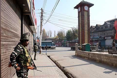 OCTOBER 27: Kashmir, Banihal observe shutdown