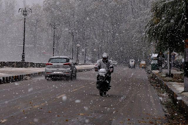 Srinagar Receives Season's First Snowfall