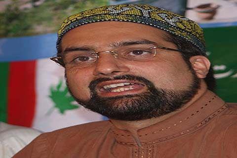 Mirwaiz condemns civilian killing in Shopian