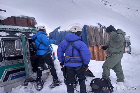 Army rescues two truckers stranded at Zojila Pass after heavy snowfall