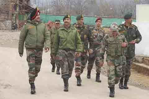 Northern Army Commander reviews Kashmir security