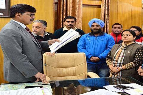 Delegations, individuals meet Advisor Kumar
