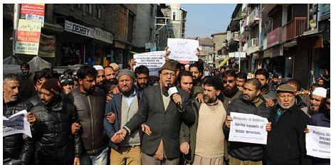 JKLF leaders heed to JRL call, stage protests in Srinagar against killing spree