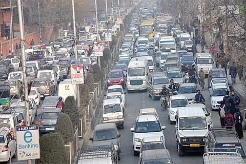 'Traffic congestion has reached peak in city'