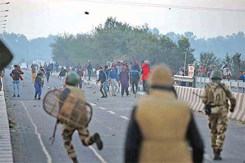 Several injured as demolition drive turns violent in Jammu