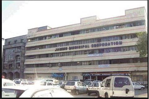 Jammu Mayor takes stock of public grievances at Nanak Nagar