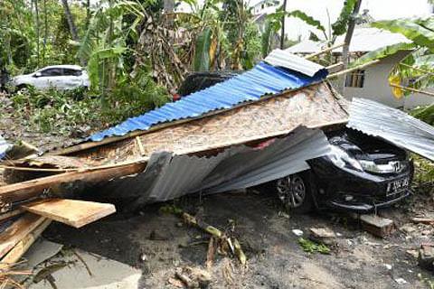 Rain hampers rescue efforts as Indonesia tsunami toll hits 429