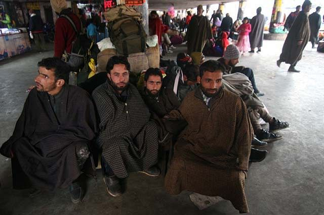 Kashmiri Passengers Stranded at Jammu Bus Stand After Highway Closure