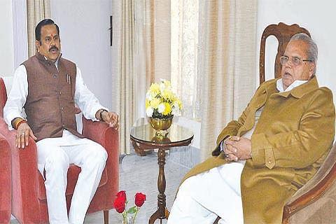 UP minister, Sgr mayor call on Governor Malik