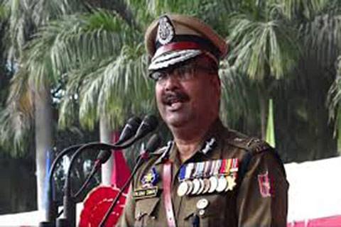DGP rewards BSF constable for foiling militant attack