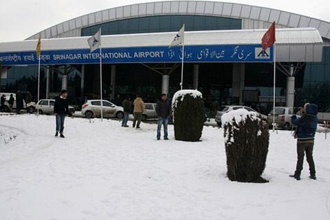 All flights cancelled at Srinagar airport after snowfall