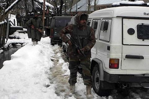 Forces launch searches in Bandipora amid snowfall