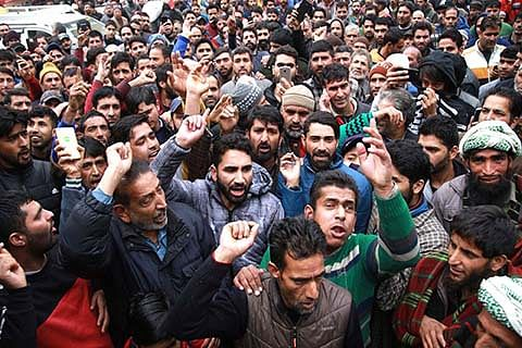Passengers stranded in Jammu demand airlifting