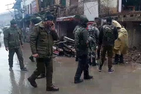 Five civilians, two CRPF troopers wounded in Anantnag grenade blast