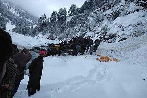 3 killed in Pahalgam avalanche