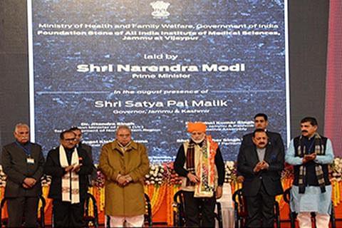 At Vijaypur rally, Modi defends citizenship bill