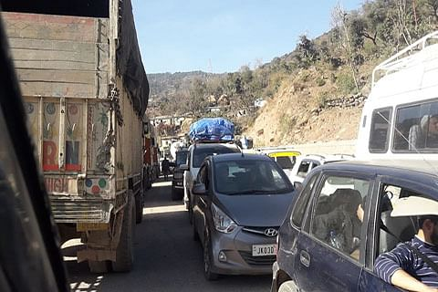 Traffic chaos prevails on Jammu-Pathankot highway