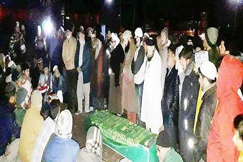 Thousands attend Qazi Ghulam Nabi's funeral