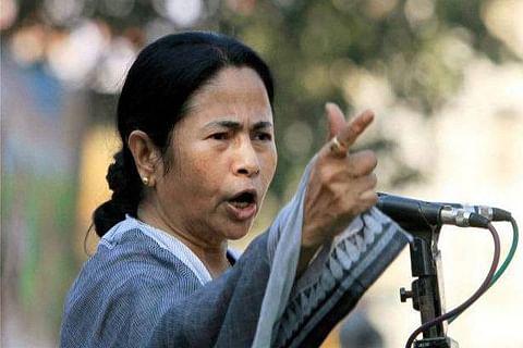 Kolkata Police-CBI face-off: Mamata's sit-in continues
