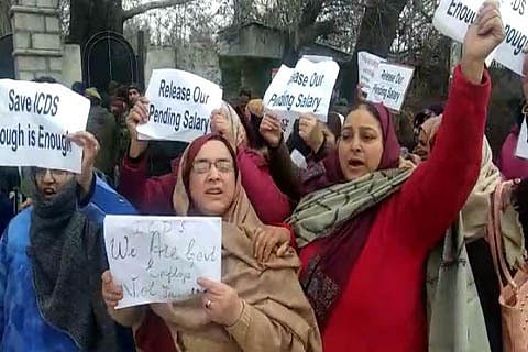 ICDS workers protest in Sopore, demand long-pending salaries