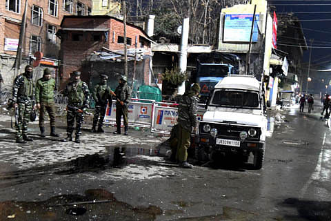Seven police and CRPF personnel, four civilians wounded in Srinagar grenade attack
