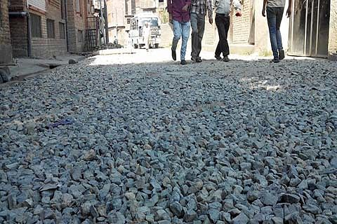 12 years on, Bandipora-Lolab road incomplete