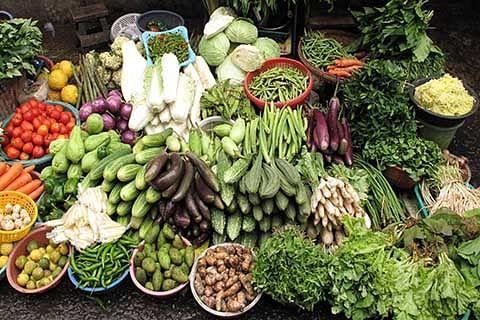 Kashmir faces shortage of essentials