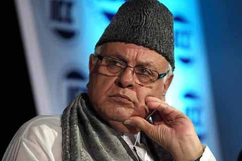 Dr Farooq pays obeisance at Ajmer Shareef Dargah