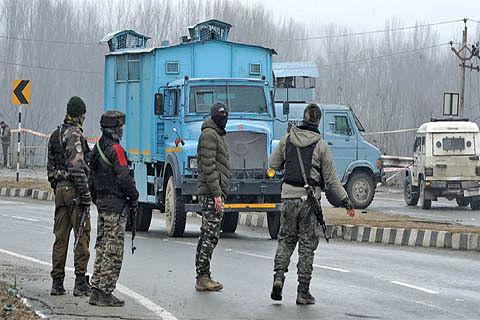 New convoy plan: Top security officials meet in Srinagar