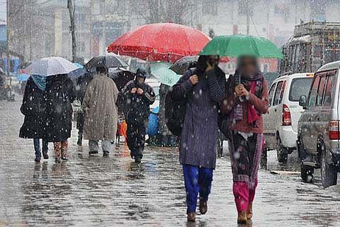Met office predicts more snow, rains