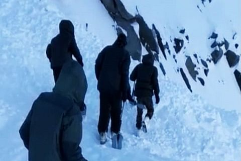Man injured after avalanche hits Ajas in north Kashmir