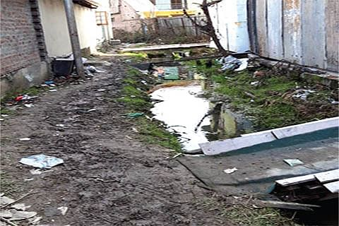 5 years on, SMC fails to complete drainage system at Sanat Nagar