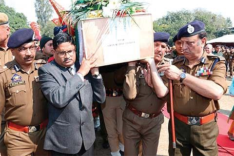 Slain DySP cremated with State honours