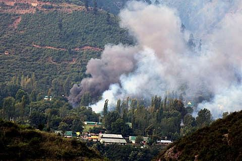 Border residents in Uri ready to leave home fearing war