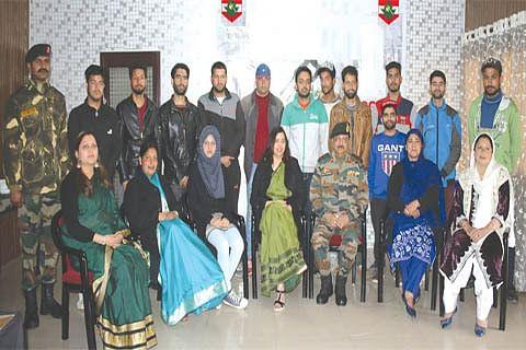 Army distributes sports kits among football, kickboxing players
