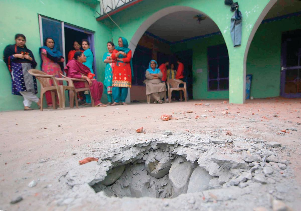 15,000 bunkers sanctioned for people living along LoC, IB: Centre