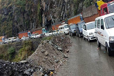 No vehicular movement on Srinagar-Jammu highway tomorrow
