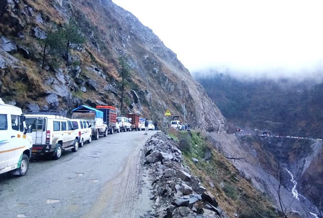 Jammu-Srinagar highway reopens for stranded vehicles