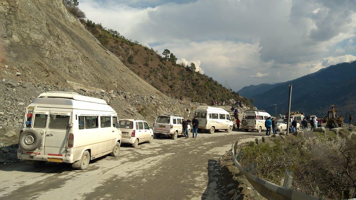 One-way LMV traffic from Kashmir on Jammu-Srinagar highway tomorrow