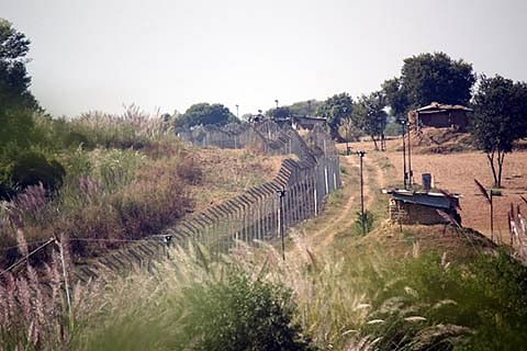 Expedite construction of bunkers: Border residents