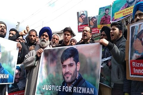 Teacher's custodial death: Protest held in Awantipora, family demands exhumation of his body